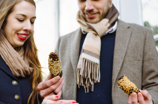 couple makes pinecone birdfeeders