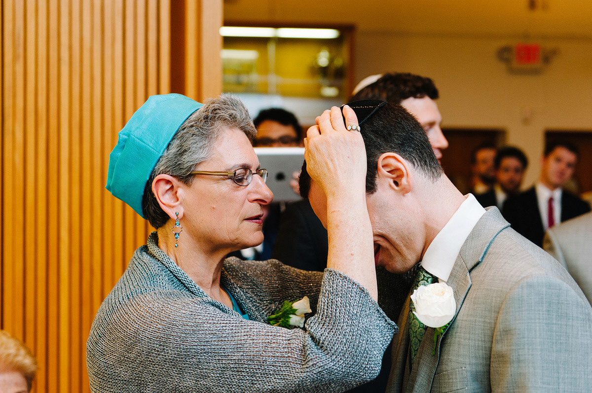 Jewish mother blesses groom