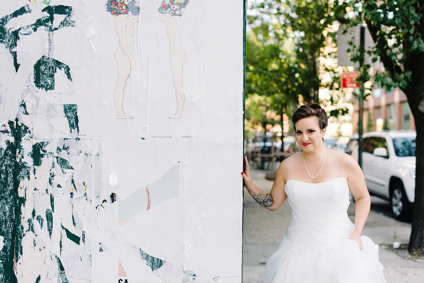 offbeat bride with red lipstick